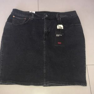 Levi's Stretch Denim Mini Skirt NWT
